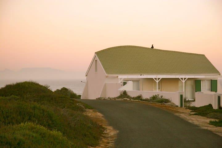 Idyllic beach cottage, Jakkalsfontein