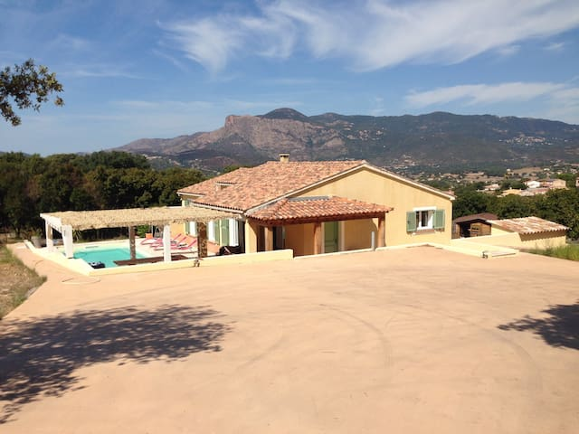 Belle villa à 10 mn d'Ajaccio - Cuttoli-Corticchiato - Casa