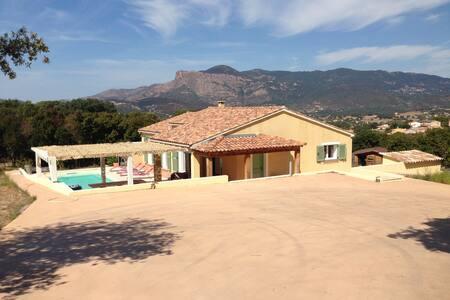 Belle villa à 10 mn d'Ajaccio - Cuttoli-Corticchiato