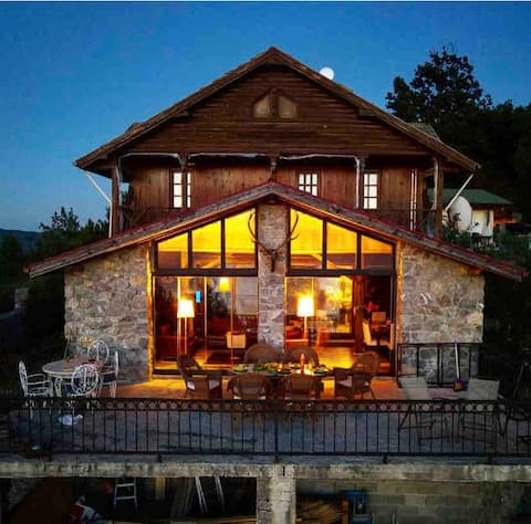 Garden chalet with sea and forest views in Inkum