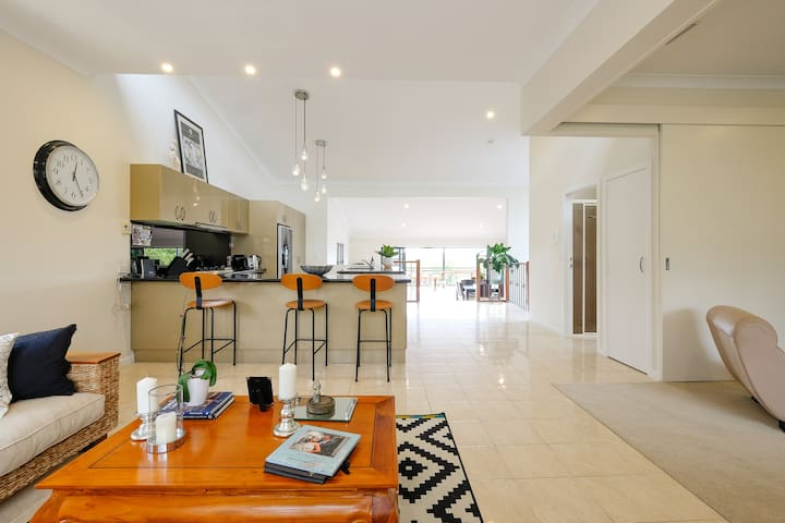 Modern 2-bed house, Teneriffe Hill - Teneriffe - House