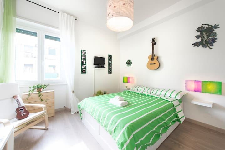 "NEW! Green Room in the ""House Of Music"" - Roma - Apartamento"