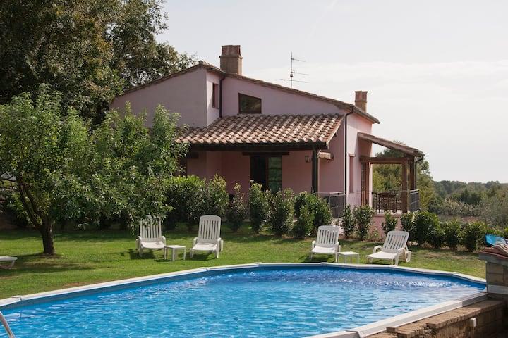 Appartamento Trilocale con terrazza e piscina