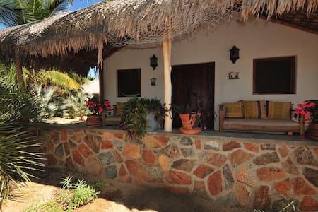 Beautiful space in Todos Santos - Romantic Casita - Todos los Santos - Bed & Breakfast