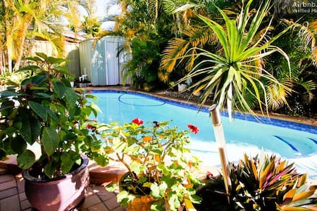 Enjoyable.Home.Very,clean.Comfortable.Pool - Coombabah - Lejlighed