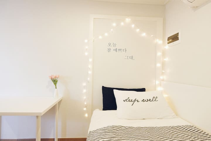 501☆A stunning loft apartment in Hongdae