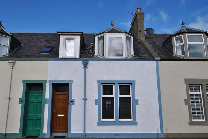 The Beacon- lovely coastal home in the East Neuk