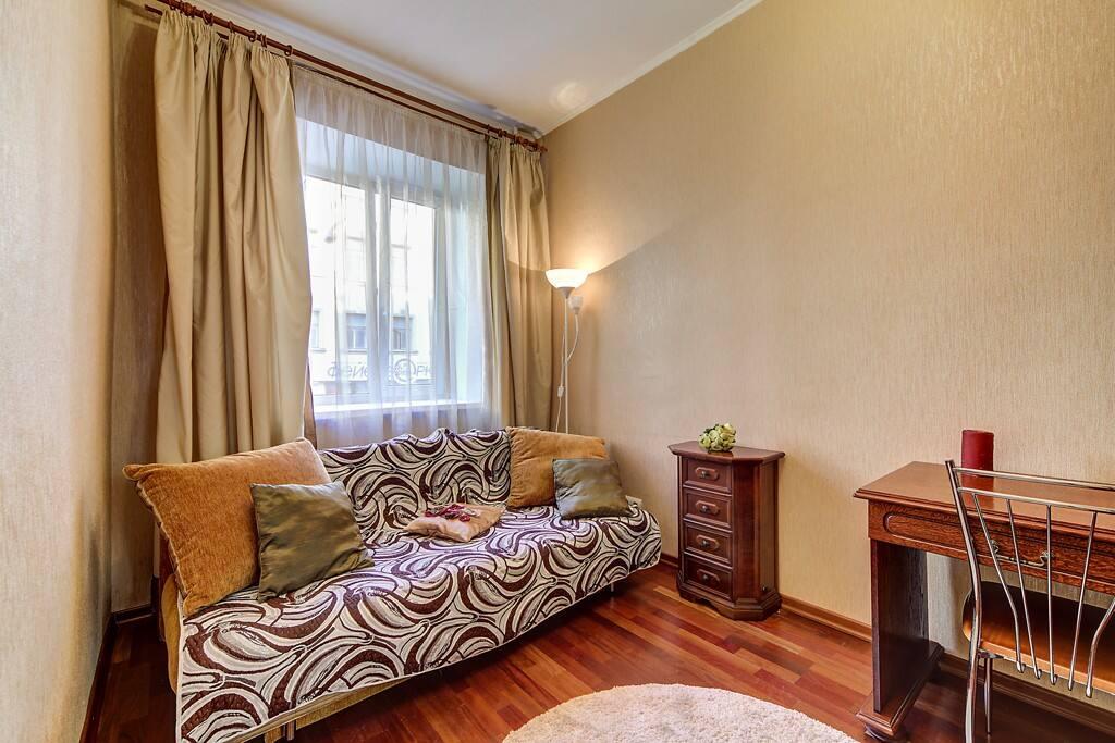 Снять недорого однокомнатную квартиру в центре питера
