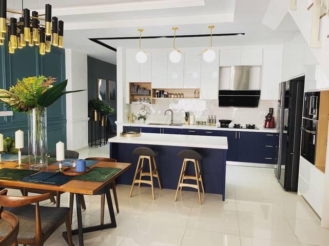 Elmina Valley the Modern Contemporary House