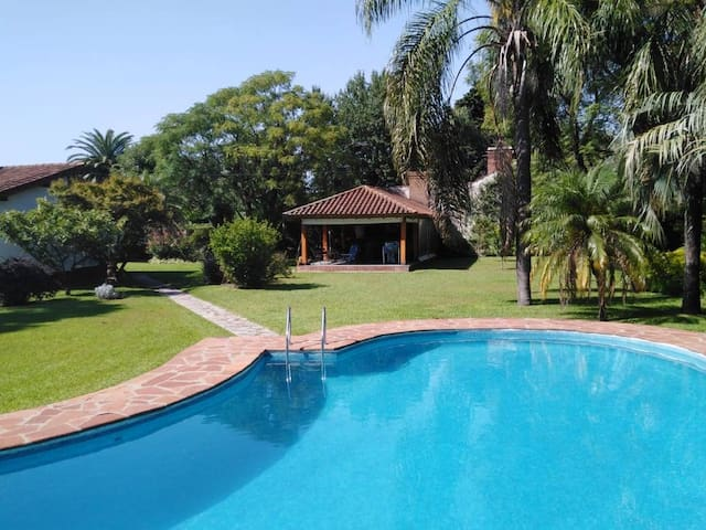 Private Unit in Bed and Breakfast, pool included