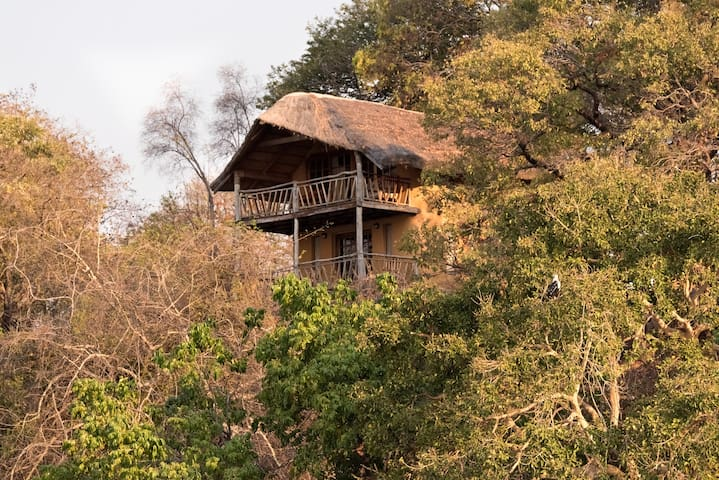 Safari Beach Lodge - Family Chalet 10