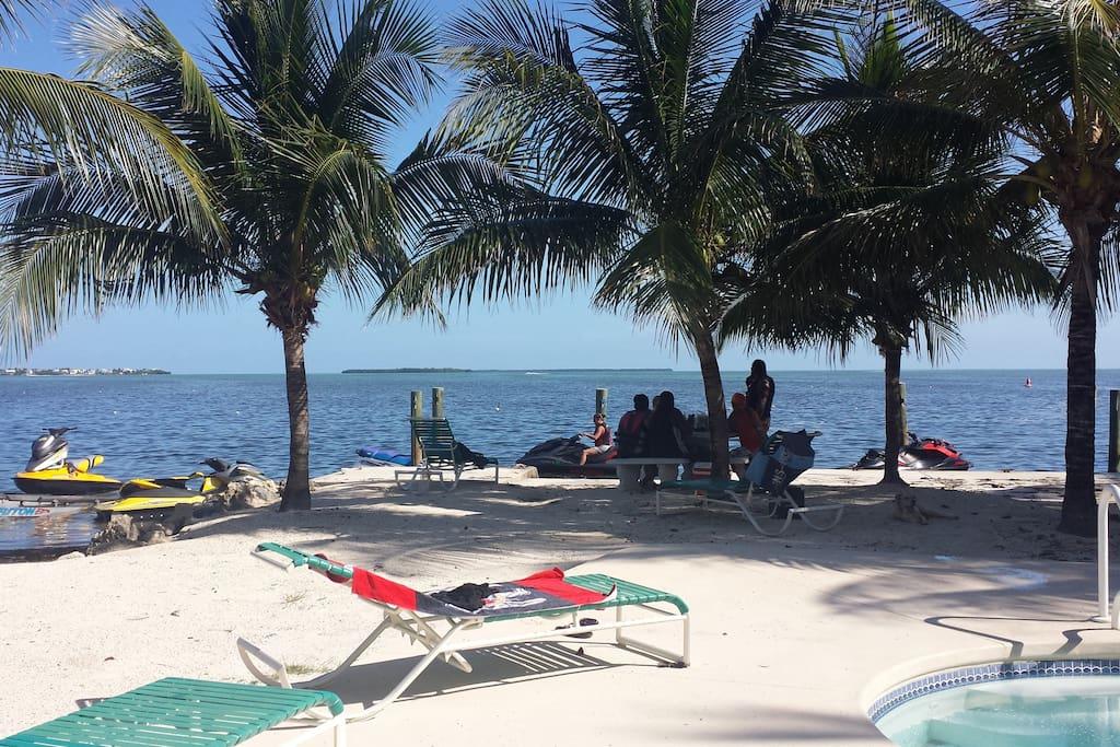 Florida Keys Cottage - Cabins for Rent in Cudjoe Key ...