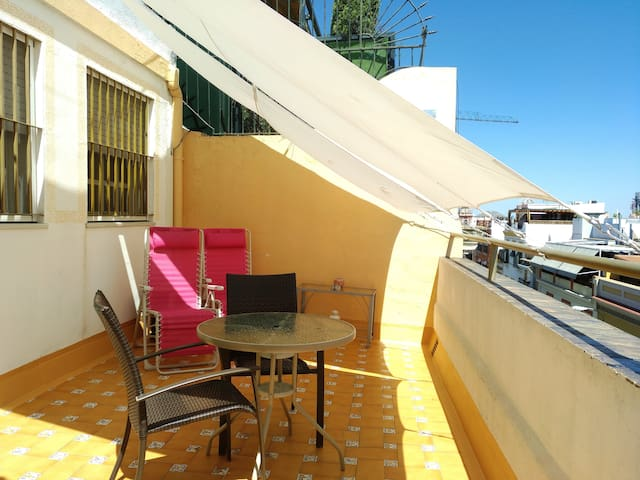 Penthouse with¡Large Private Terrac¡Wifi.Triana-Se