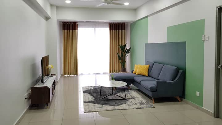 New Spacious 3BR |25th Floor |Pool |Jeti Lumut