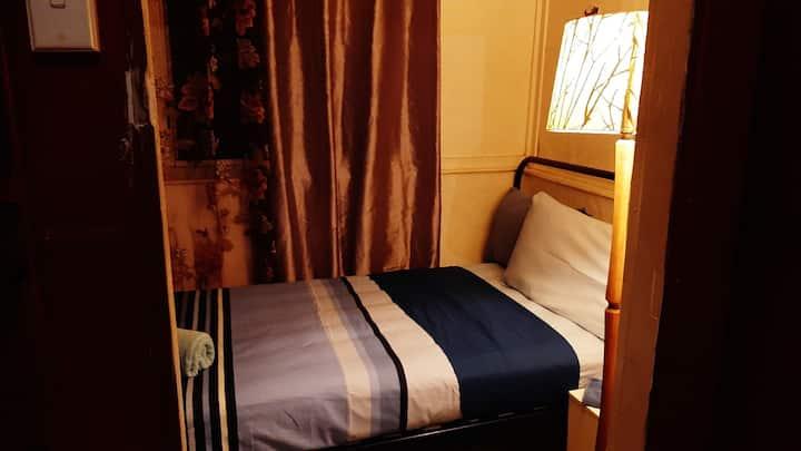 Meyenburg King Single, enclosed sleep out 2 max