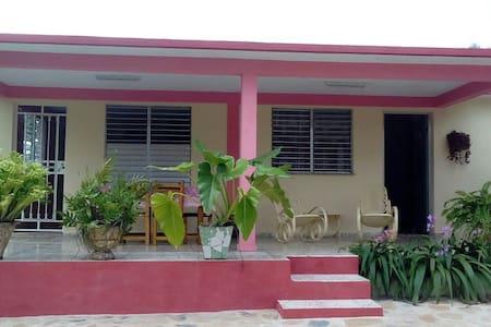 Camila, habitación independiente con terraza
