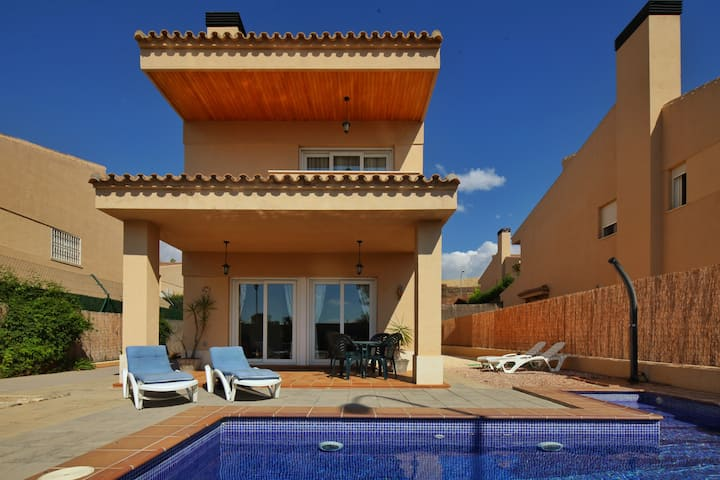 Villa &pool.Sleeps7.Otura, Granada.