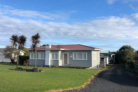 Perfect Mokau Beach Stay