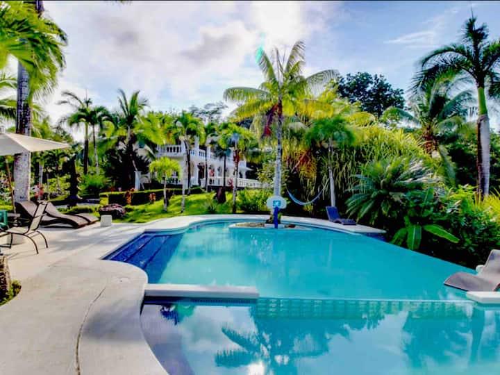 Quebrada Estate, A Luxury Villa close to the beach