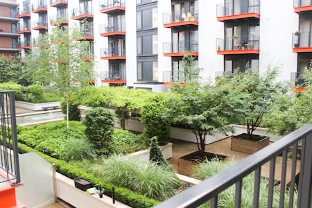 1 Bedroom within modern flat - London - Apartment