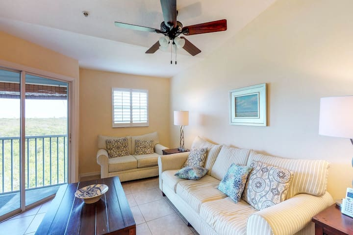 Dog-friendly condo with shared pool near the beach, wetlands, trolley stop!