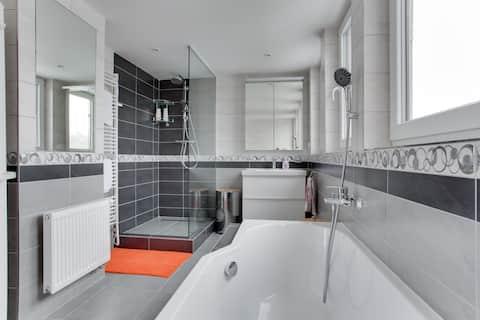 """Nice & Quiet 80m² Apartment """"David"""""""