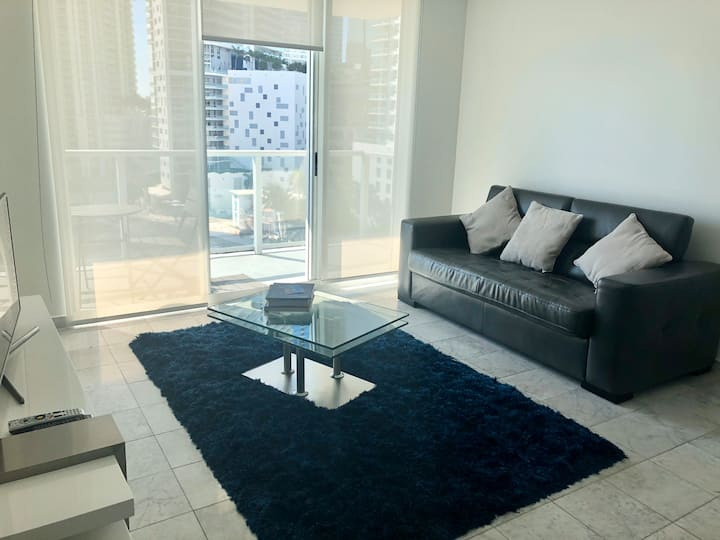 Bay view 1/1 in Brickell! Disinfected with OZONE.