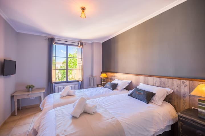 Correlimos 1st Fl Dbl or Tw Bed and Breakfast NR