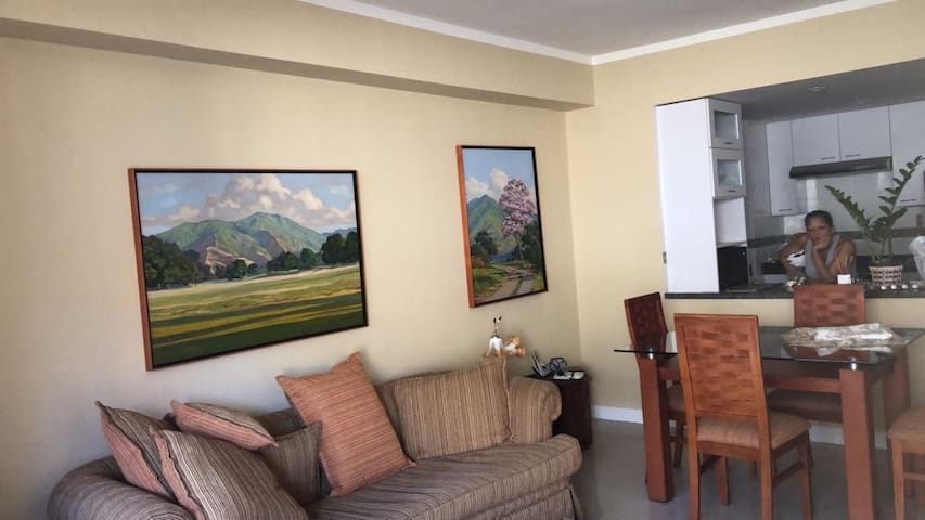 Precioso apartamento en Altamira, con pozo de agua