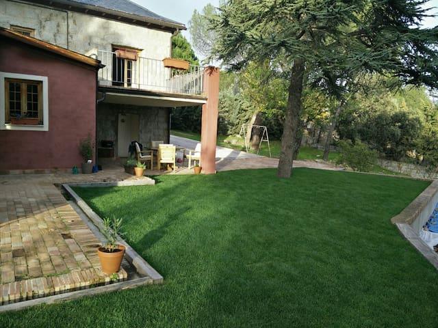Casa Rustica, Salud y Alegria - Torrelodones