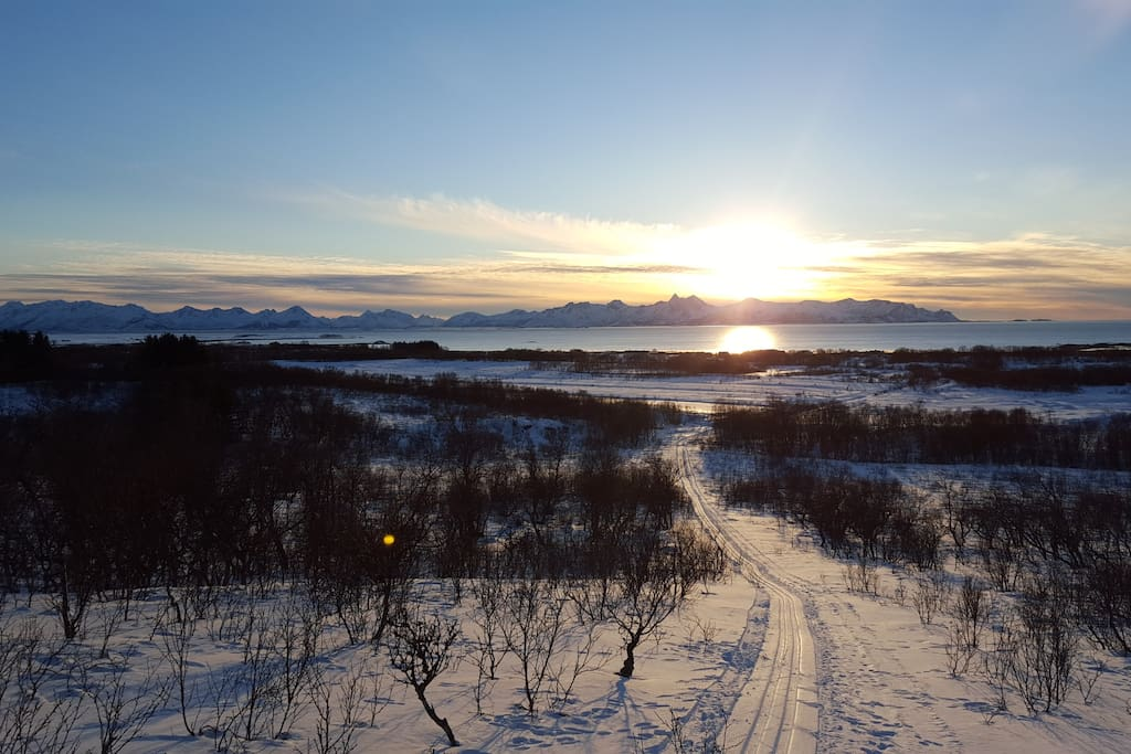 From the valley above Bø. Easy terrain for skiing or walking.