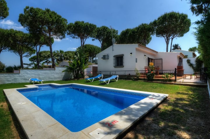 Casa Los Pinos Bajamar - Comfortable andalucian cortijo with fenced pool not far from the beach