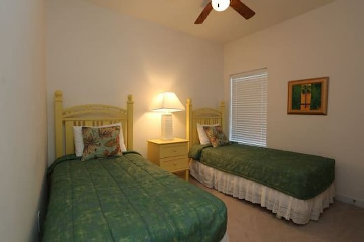 Gated Complex, Pool, Hot Tub, Close To The Beach ~ Waterside Village Condo 403