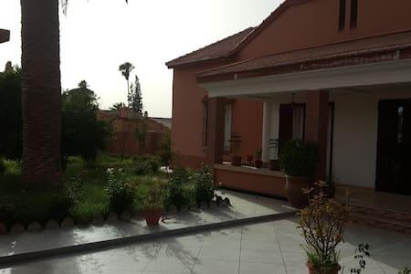 Grande villa à Youssoufia avec une ambiance extra