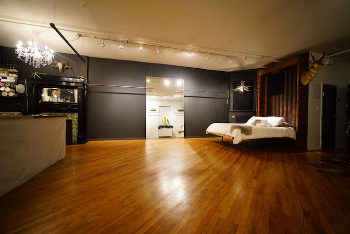 Very Unique Fashion District Loft !!! - New York - Appartement