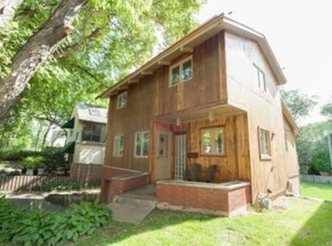 Minneapolis Loft Home with Cabin Feel