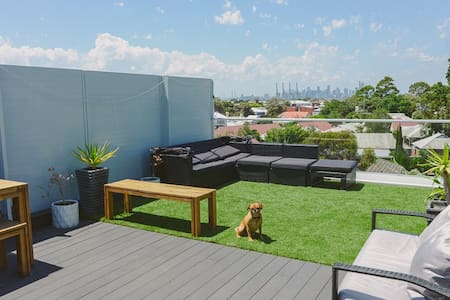 Brand New 4 Level Townhouse with Rooftop Terrace - Williamstown