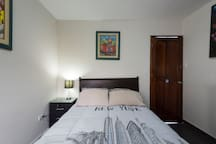MIRAFLORES prívate room, bathroom and entry!