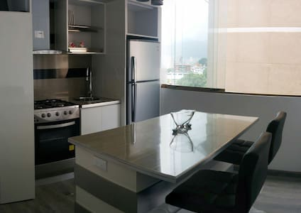 Acogedor Apartamento Santa Monica - Lakás