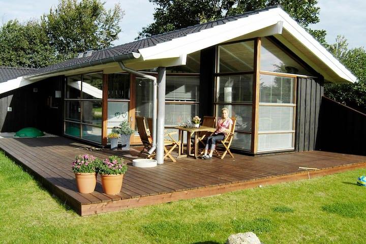 Espaciosa casa de vacaciones en Esbjerg con sauna