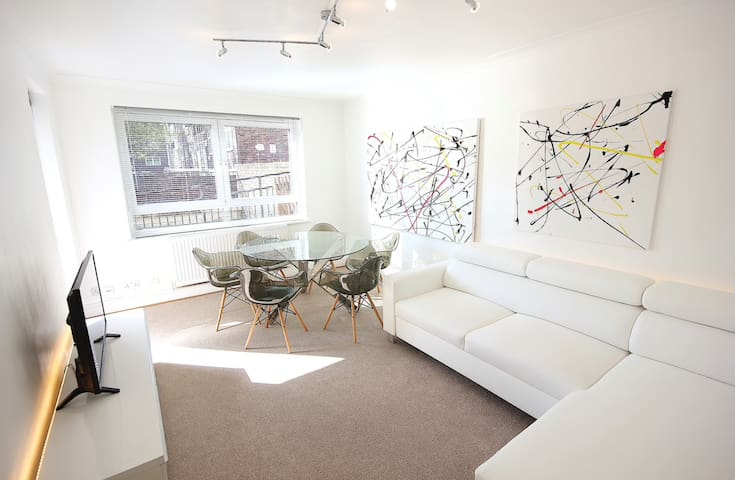3 Bedroom Apartment Located in LittleVenice London