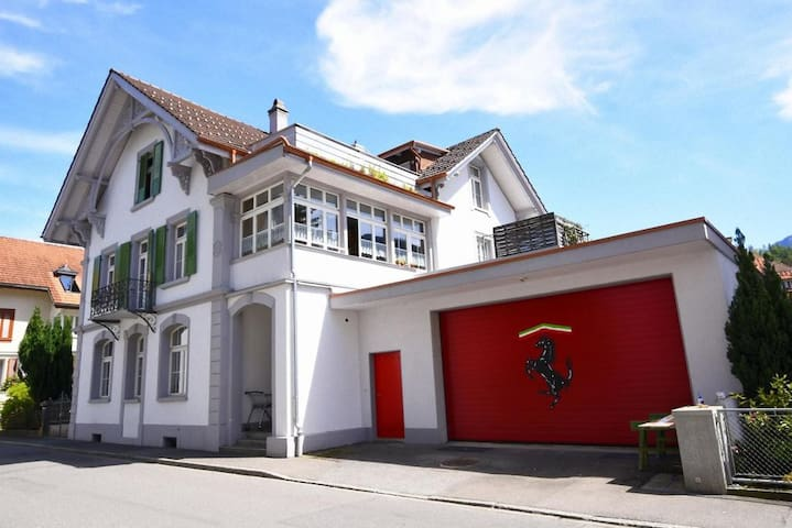 Ferrari Apartment - Interlaken - Lägenhet