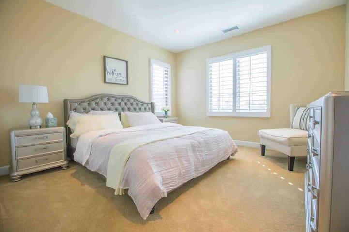 Irvine private one bedroom with bathroom