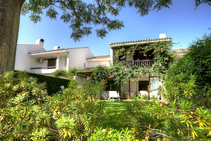 Gorgeous GOLF house in SOTOGRANDE! - San Roque - Hus