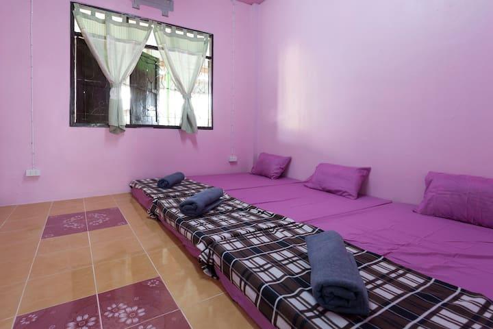 Dream house  and  Heaunburi  homestay