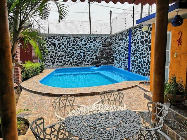 Casa privada con alberca,  jardín y tranquilidad.