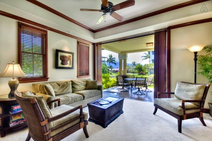 2 Luxury Beach Front Villas in Kolea! 15 Guests!
