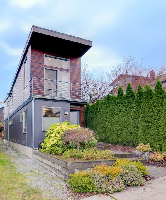 The seattle skinny house houses for rent in seattle washington united states for 5 bedroom house for rent in seatac