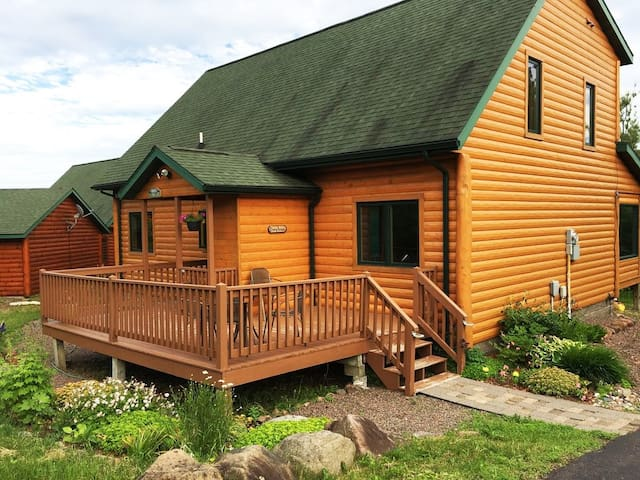 Lutsen Log Lodge, Stay 4 for 3 through December