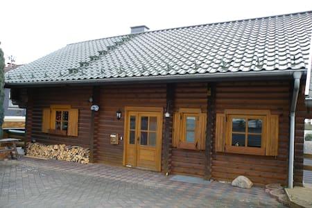 FEWO 70 m² rustic comfort in the log cabin. TOP